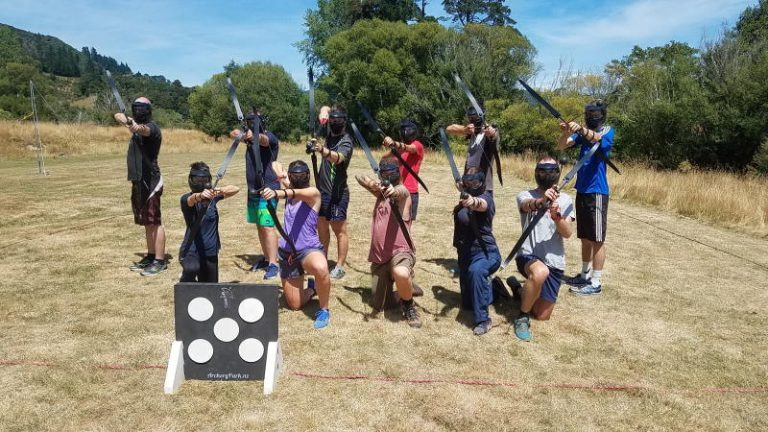 Archery Battle Players ready for battle