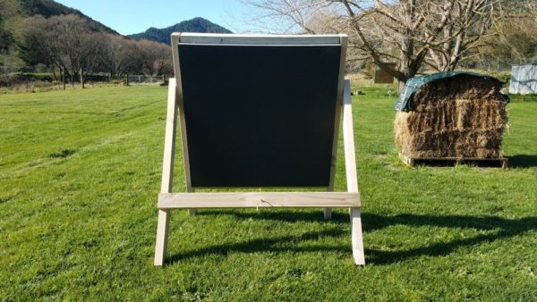 Arch-Well Archery Target, Square 1m by 1m and 20cm thick. It has a replaceable 40cm core. Rear view.