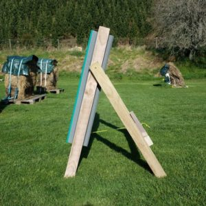 Arch-Well Archery Target, Square 1m by 1m and 20cm thick. It has a replaceable 40cm core. Side view.