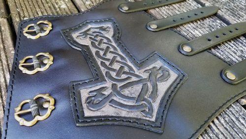 Trad Prime Thor Armguard design closeup